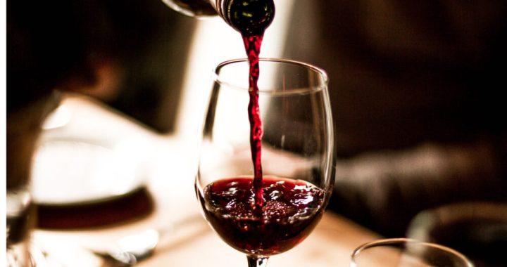 Si beve meno vino ma di migliore qualità