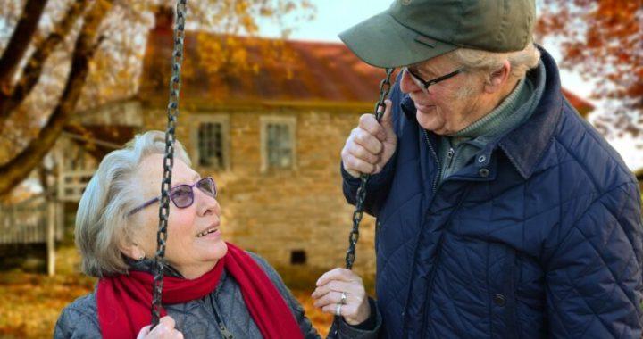 Gli anziani sono i più altruisti, lo rivela la scienza