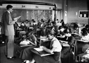 hist_us_20_civil_rights_school_desegregation_pic_black_school_classroom