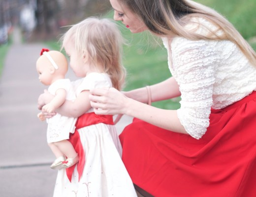 Christmas dresses for mommy, daughter and doll with fashion blogger Rachael Burgess.