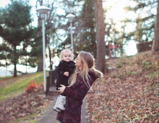 Fashion Blogger Rachael Burgess wearing Shopbop and Famous Footwear