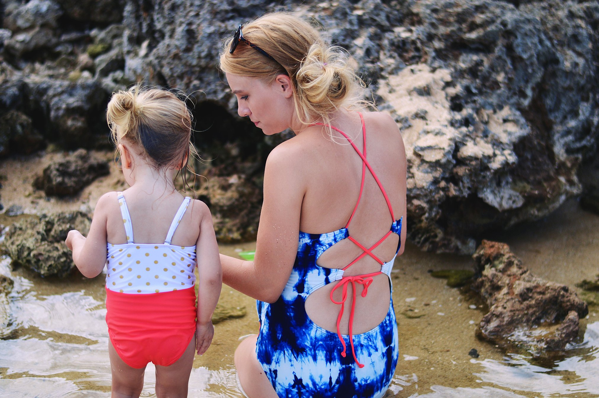 d9b8a7a34ed6f Three Awesome Maternity Swimsuit Styles That Are Not Maternity