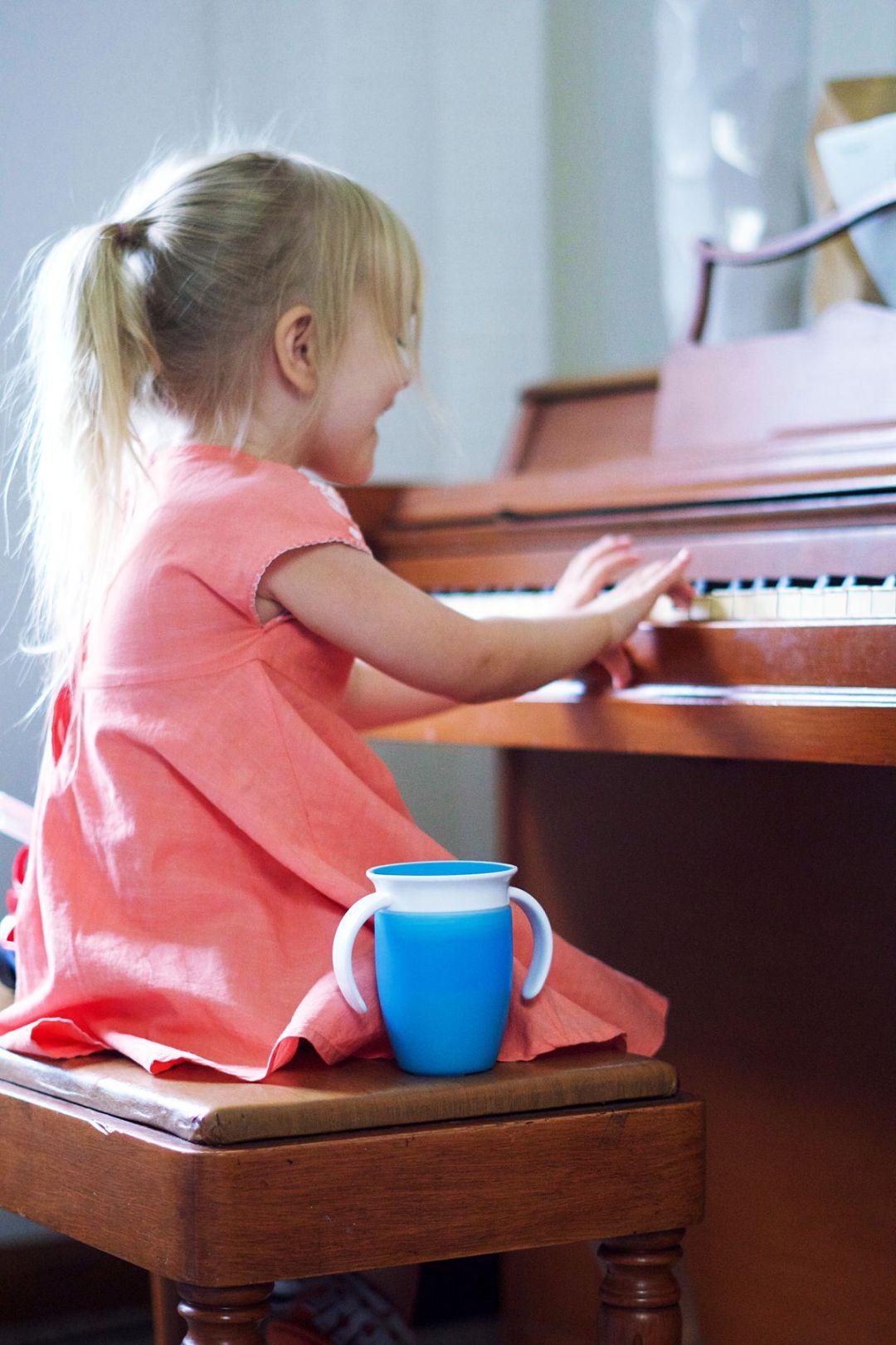 Baby Brain Growth and Developement   Rachael Burgess