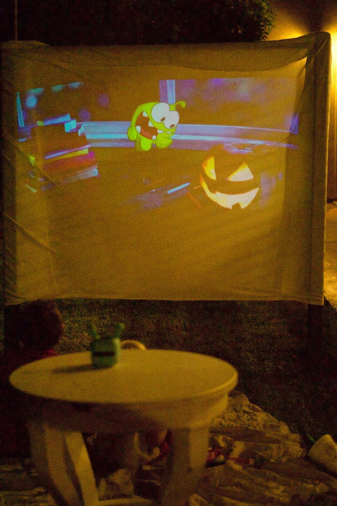 DIY At Home Drive In Theater | Rachael Burgess