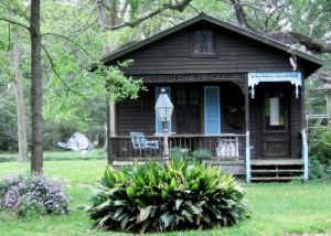 cottageWithPorch