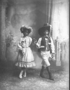 Children in fancy dress in Guanajuato