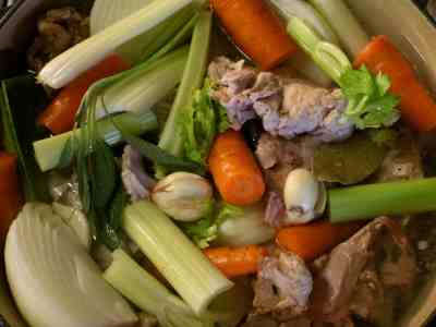 Thanksgiving Leftovers: Turkey Stock