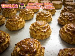Double Egg Yolk with Lotus Seed Paste Mooncake