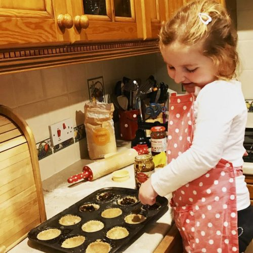 #LittleLoves - Jason Manford, BlogLovin, Mince Pies & Y Kant Tori Read