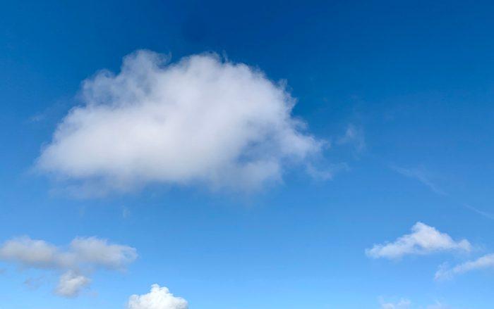 #MySundaySnapshot – Fluffy White Clouds 09/52 (2021)