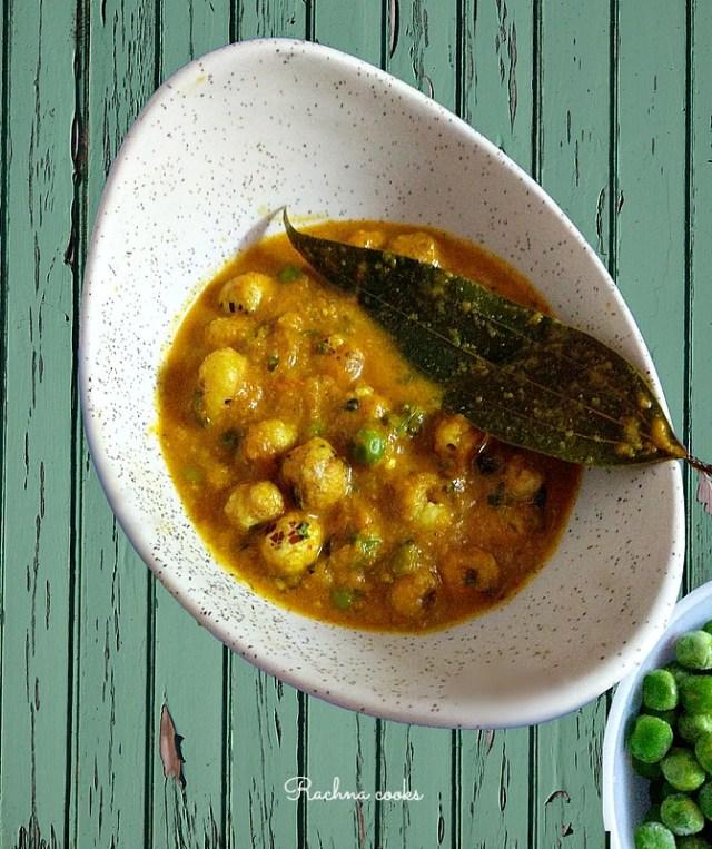 Khoya Matar Makhana Curry
