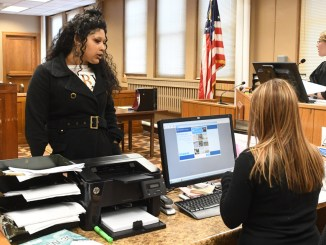 Racine judge hosts Driver's license recovery day