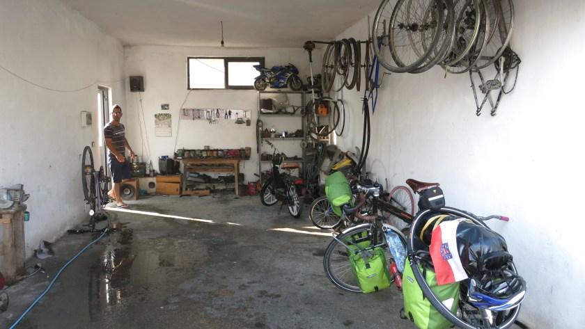 Fahrrad Werkstatt in Albanien
