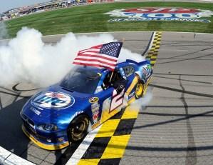 2011_Kansas_NSCS_Brad_Keselowski_Burnout