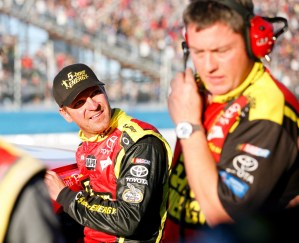 2012_Phoenix2_Clint_Bowyer_Talks_With_Brian_Pattie_After_Incident