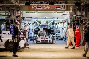 Qualifying 1 - Romain Dumas (FRA) / Neel Jani (CHE) / Marc Lieb (DEU) driving the #14 LMP1 (WEC) Porsche Team (DEU) Porsche 919 Hybrid