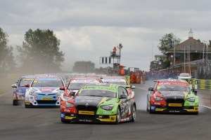Colin-Turkington-scores-a-double-win-at-Croft