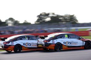 Turkington-and-Plato-will-be-gunning-for-glory-at-Brands-Hatch