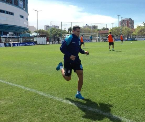 Diego González en un entrenamiento de Racing.