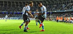 Martínez y Centurión festejando un gol.
