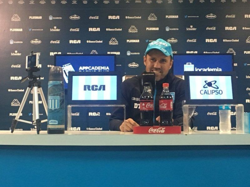 Coudet en conferencia de prensa