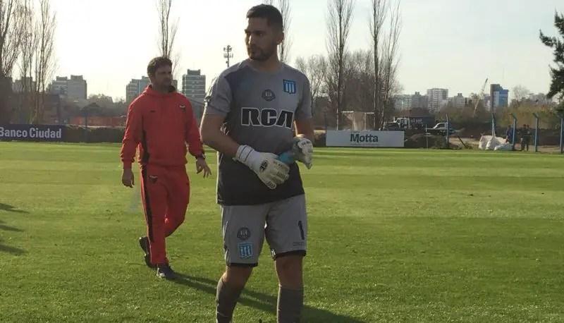 Nicolas Stella volverá a entrenarse con el plantel de la Primera de Racing desde este miércoles, por las lesiones de dos arqueros y la ausencia del titular.