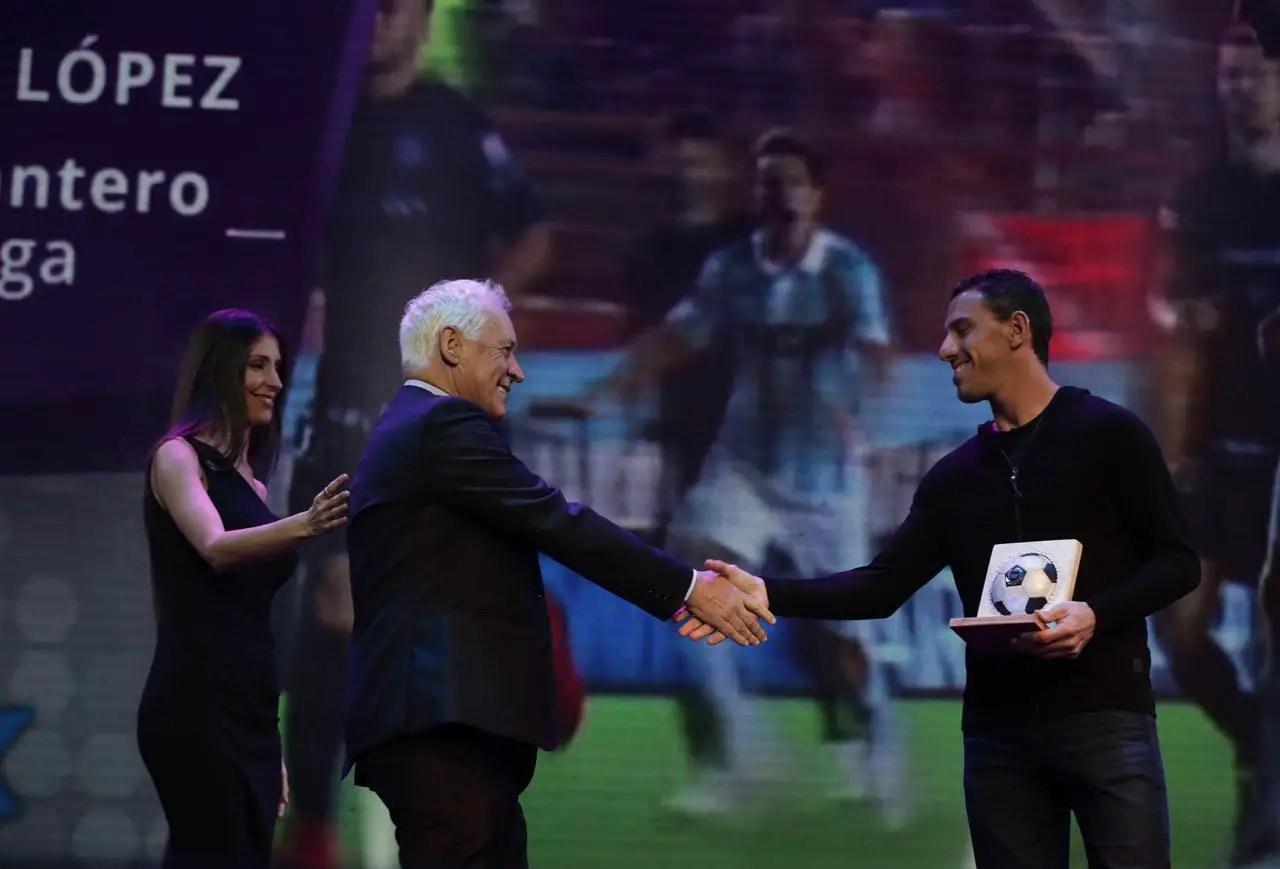Esteban Andrada fue elegido como el mejor arquero de la Superliga
