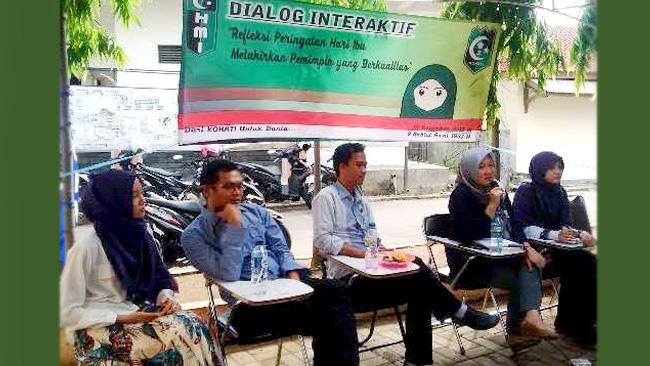 Suasana dialog publik