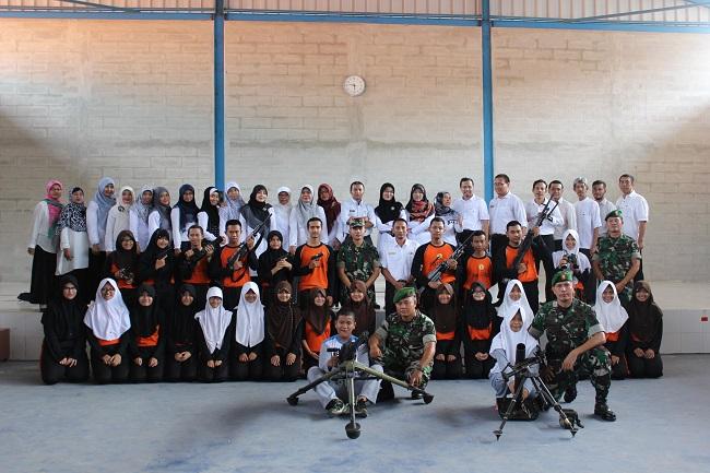 Dandim 0623 Cilegon bersama pelajar SMK Negeri 1 Cilegon