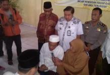 Pasangan suami istri eks Gafatar bertobat di depan petugas