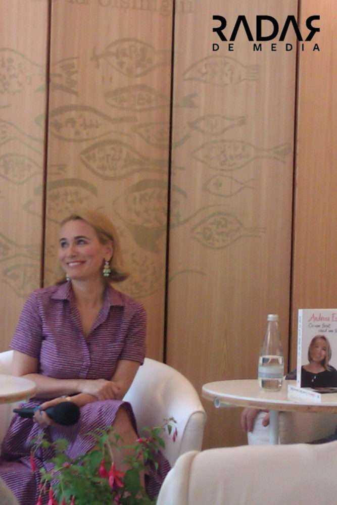 """Andreea Esca Ce am facut cand am tacut Andreea Esca: """"Cel mai important e să rămâi legat de oameni. Singuri nu putem face nimic în viață"""""""