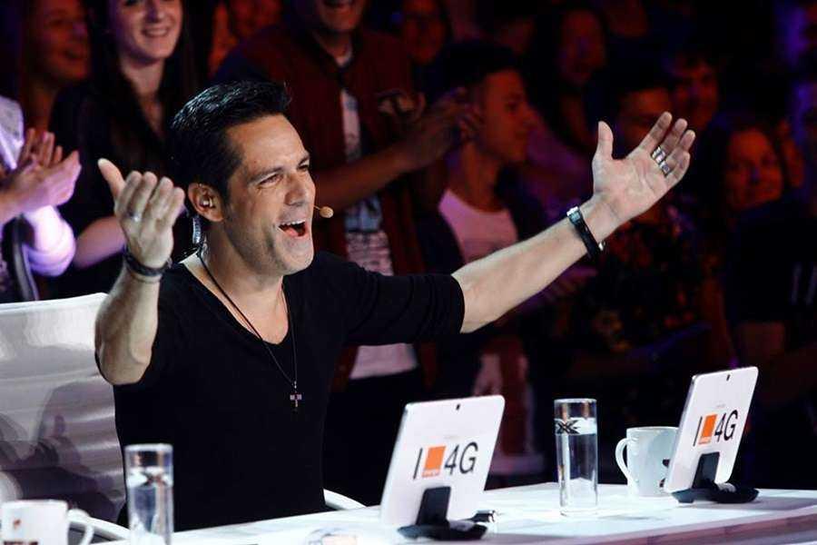 X Factor Stefan Banica Explozie de sentimente. Ștefan Bănică Jr. izbucnește în lacrimi, la X Factor!