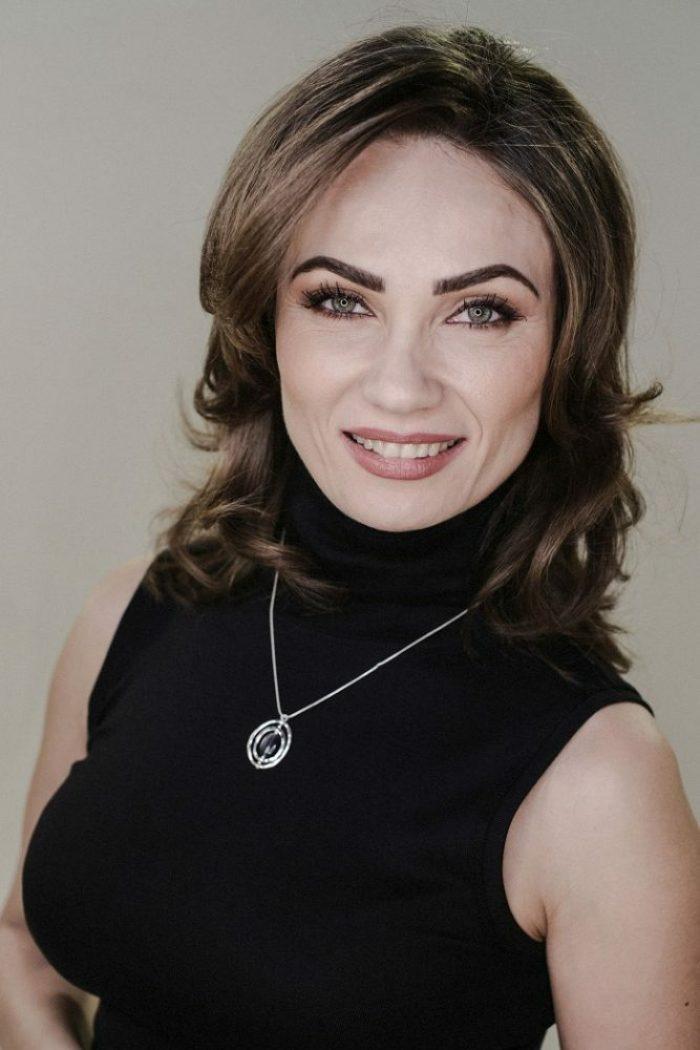 Violeta Dumitrescu