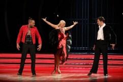 Uite cine danseaza (2)