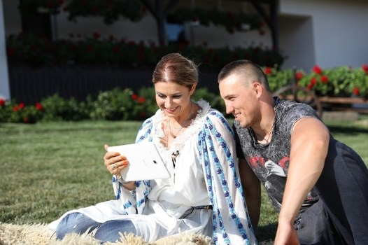 Bogdan, incantat sa citeasca mesajele GOSPODAR FARA PERECHE PRO TV