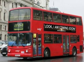 Cristãos usam ônibus, em Londres, para evangelismo no período da Páscoa