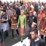 Gelar Rapat Paripurna Seluruh Wakil Rakyat Gunakan Pakaian Adat Lampung