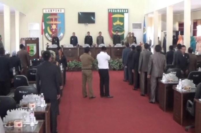 Dihadiri Wakil Bupati,DPRD Pesawaran Sahkan Raperda KTR