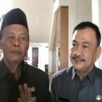 Walikota Pairin Beri Karangan Bunga