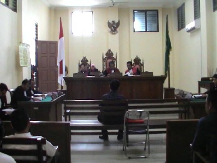 Hakim ringankan hukuman terdakwa