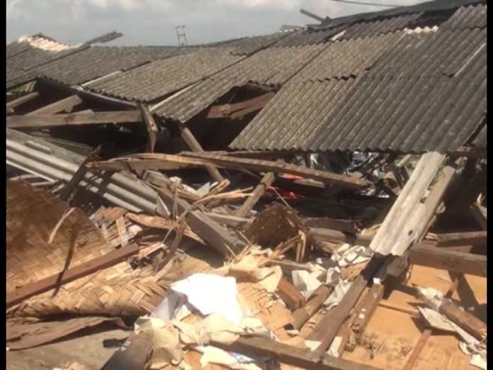 Puluhan Rumah Warga Porak Poranda di Terjang Puting Beliung