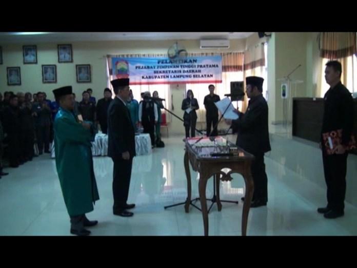 Freddy Resmi Jabat Sekda Lamsel