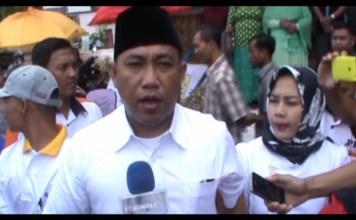 Umar Achmad Berikan Hak Suara di TPS 03 Tiyuh Karta