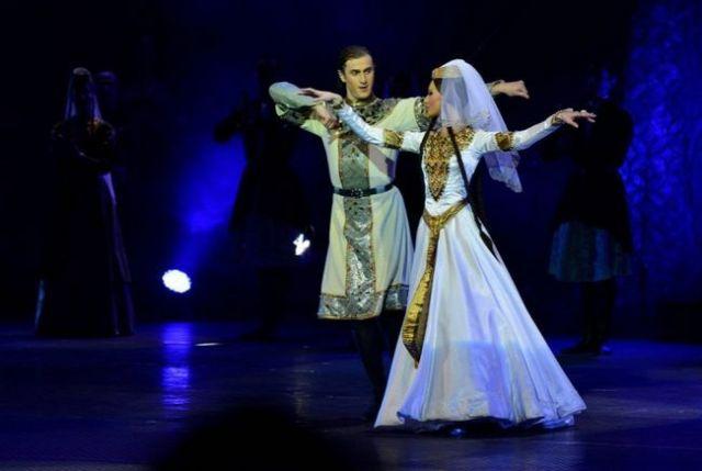 zazhigatelnyj-gruzinskij-tanec_3