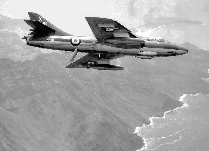https://i1.wp.com/www.radfanhunters.co.uk/Aircraft8/XK151_X_Aden-coast.jpg