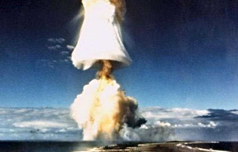 Essais nucléaires © DR