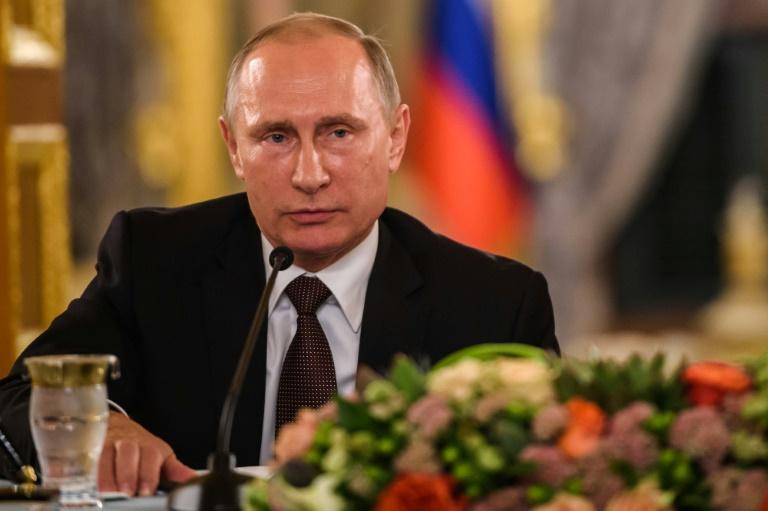 Le président russe Vladimir Poutine lors d'une conférence de presse à Istanbul, en Turquie, le 10 octobre 2016. © AFP