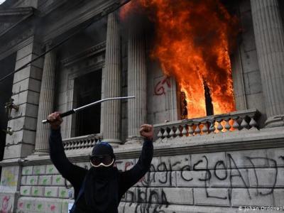 Crisis política en Guatemala: reclaman la renuncia del presidente