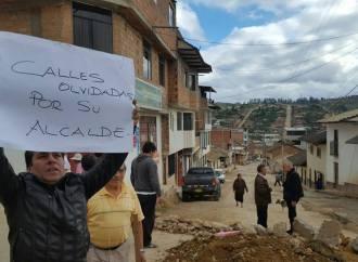 Vecinos del Jirón Santa Lucia y Libertad bloquean calles como Medida de Protesta ante Municipalidad Provincial de Chachapoyas
