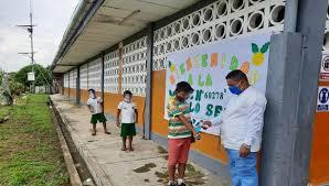 El 44.6 % de colegios en Amazonas estarían habilitados para iniciar clases presenciales, señala MINEDU.